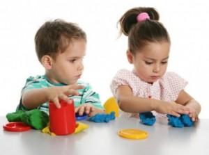 как заниматься с двумя детьми 300x223 Как заниматься с двумя детьми