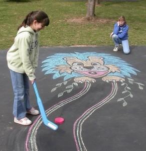 91 291x300 Креативные прогулки: поиграем с цветными мелками? )