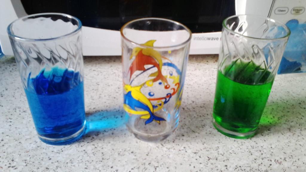 IMG 20160517 195241 1024x576 Играем и экспериментируем дома: Путешествующая цветная вода