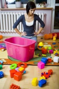 ne liubiat ubirat igrushki 200x300 Как креативное планирование мамы помогает развивать в ребенке самостоятельность, организованность и целеустремленность?..
