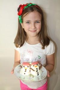 snegovichki1 200x300 7 отличных идей для сближающих и познавательных зимних каникул с детьми!